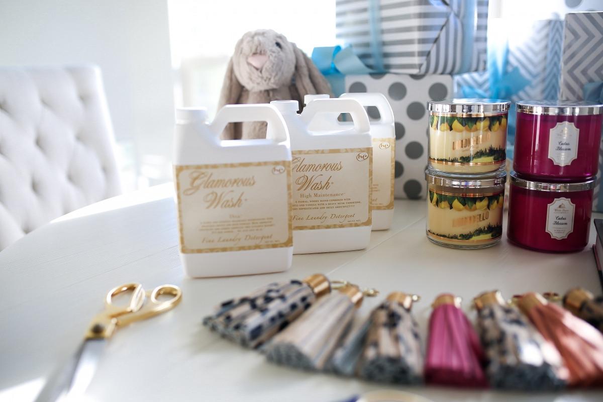 Host Gift Ideas For Couples  Hostess Gift Ideas