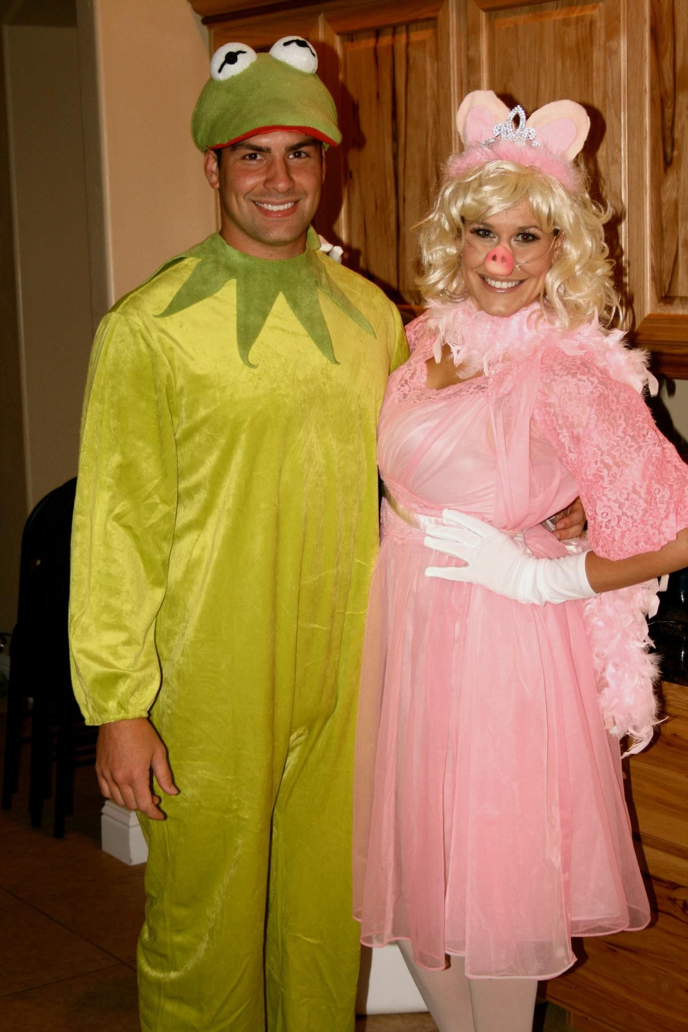 Kermit The Frog Costume DIY  Kermit the Frog and Miss Piggy Homemade Adult Halloween