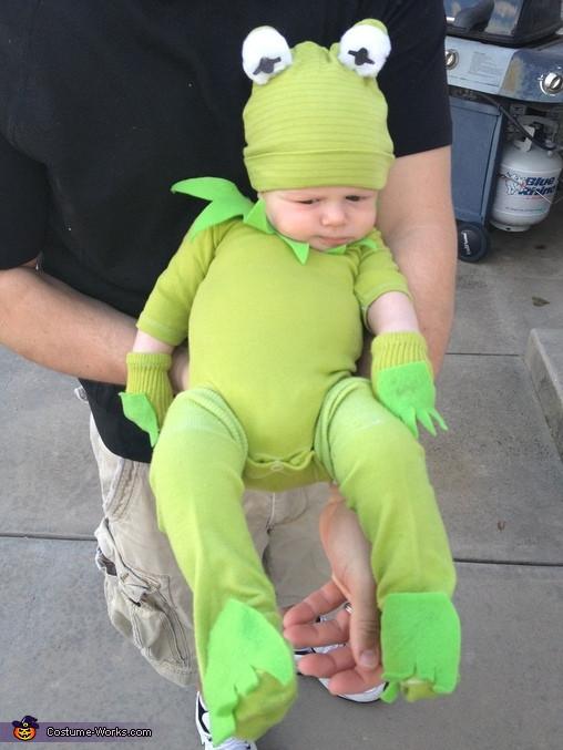 Kermit The Frog Costume DIY  Kermit the Frog DIY Baby Costume 2 5