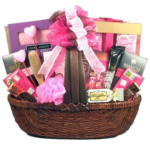 Ladies Gift Basket Ideas  17 Best ideas about Gift Baskets For Women on Pinterest