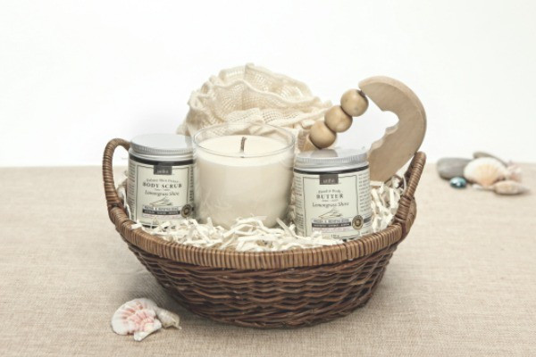 Ladies Gift Basket Ideas  Spa Gift Basket Ideas For Woman From The Heart
