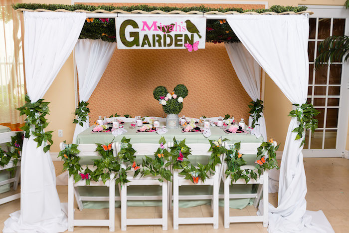 Minnie Mouse Backyard Party Ideas  Kara s Party Ideas Minnie Mouse Inspired Butterfly Garden