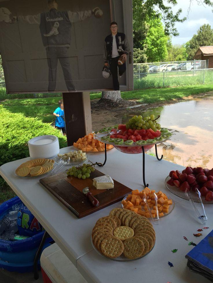 Outdoor Graduation Party Food Ideas  17 Best ideas about Outdoor Graduation Parties on