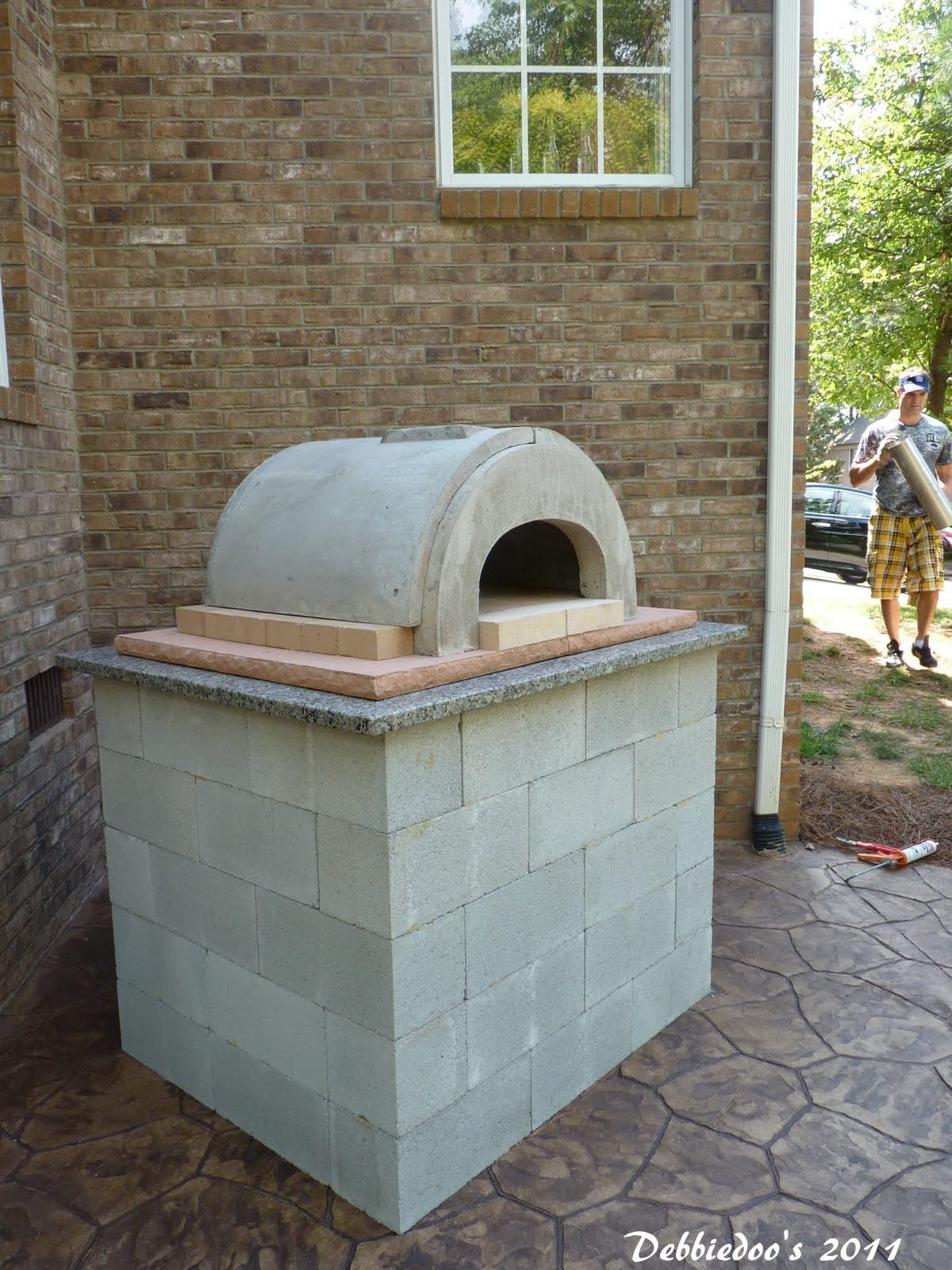 Outdoor Pizza Oven DIY  DIY Outdoor pizza oven Debbiedoo s