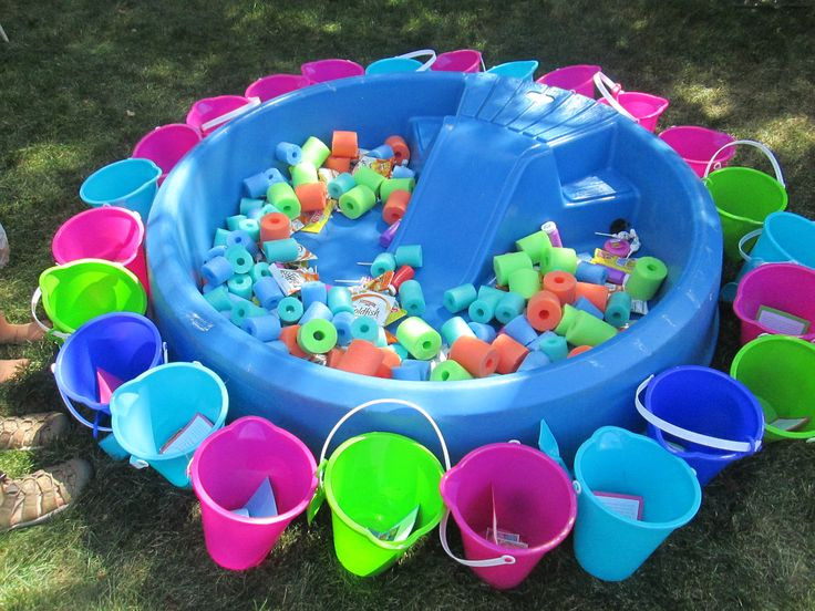 Pool Party Goody Bag Ideas  Fill a baby pool with cut up pool noodles and goody bag