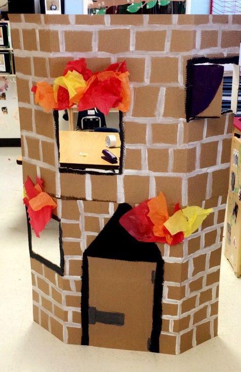 Preschool Projects Ideas  Preschool dramatic play aying safe Firefighters