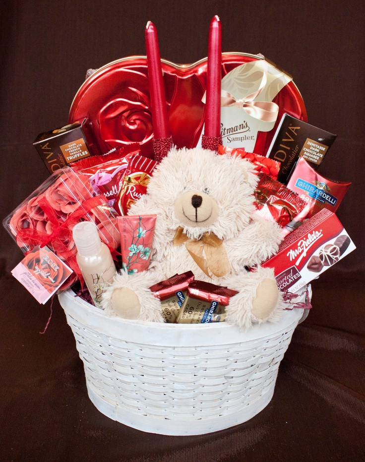 Small Valentines Gift Ideas  25 best ideas about Valentine baskets on Pinterest