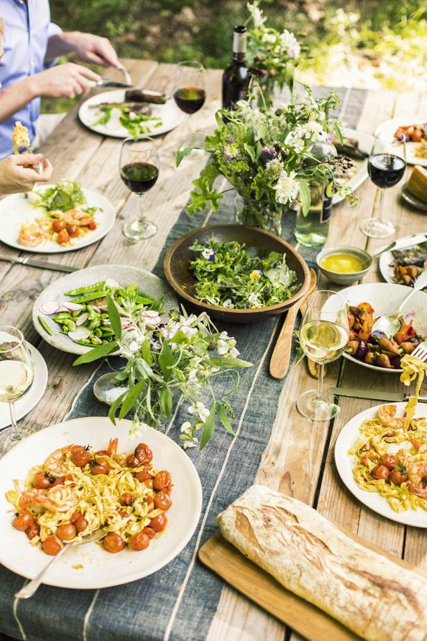 Summer Dinner Party Ideas  SUMMER DINNER PARTY