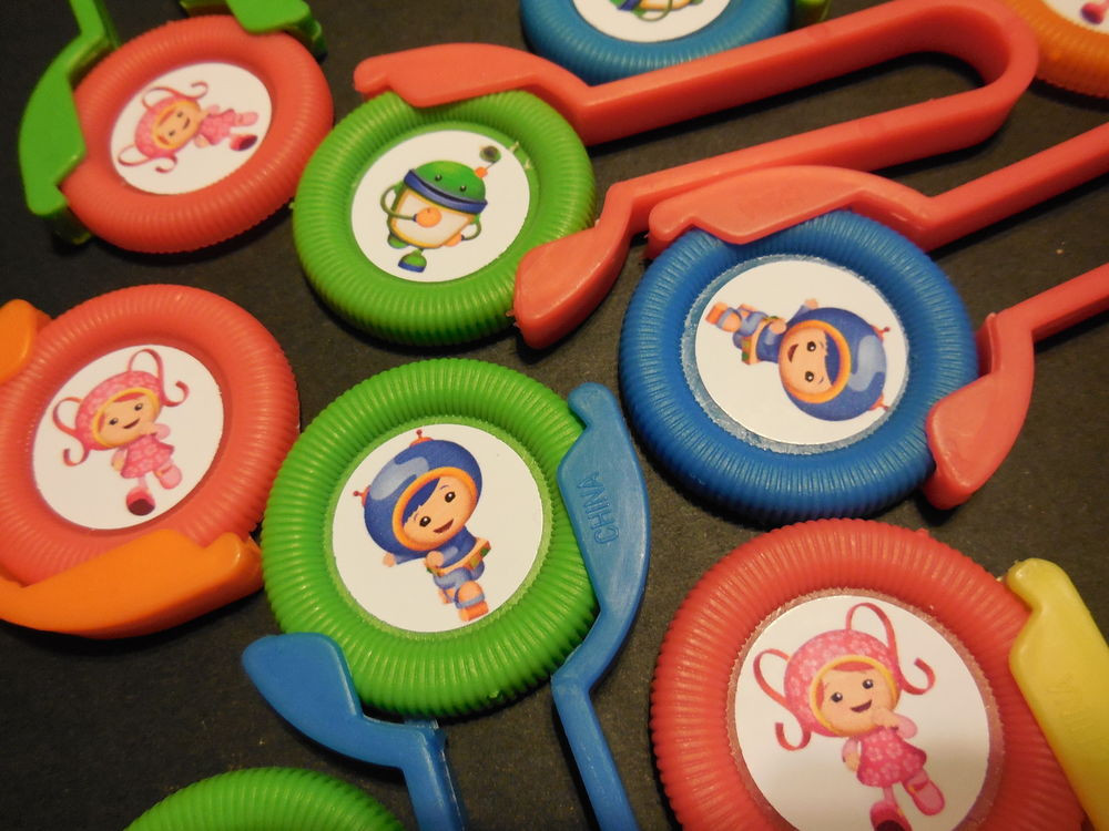 Team Umizoomi Birthday Party Ideas  12 TEAM UMIZOOMI Disk SHooters birthday party favor treat