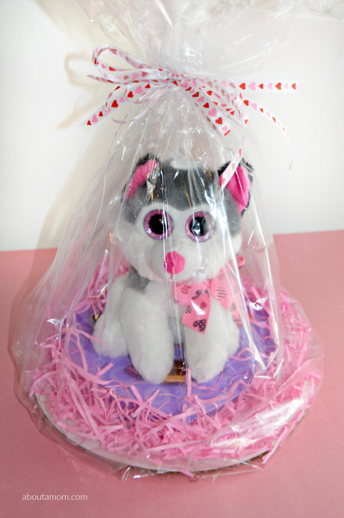 Valentine Day Gift Baskets Ideas  Valentine s Day Basket Ideas for Kids About A Mom