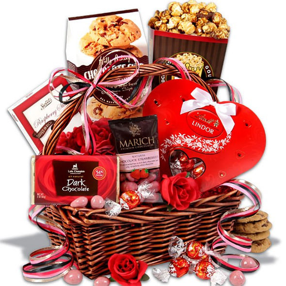 Valentine Day Gift Baskets Ideas  25 Valentine's Day Gifts for your Girlfriend