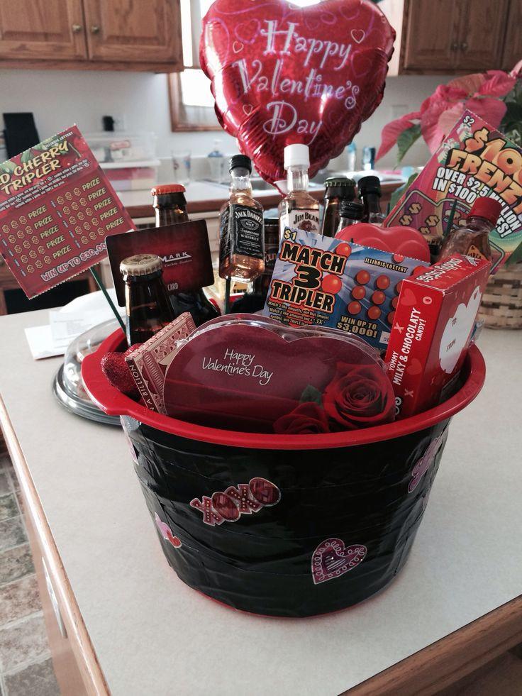 Valentine'S Day Gift Basket Ideas  1000 ideas about Gift Card Basket on Pinterest