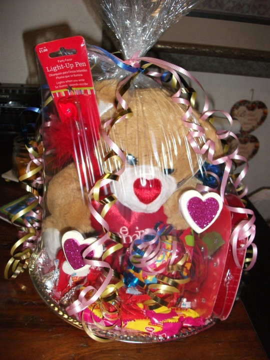 Valentine'S Day Gift Basket Ideas  1000 images about His and her baskets on Pinterest