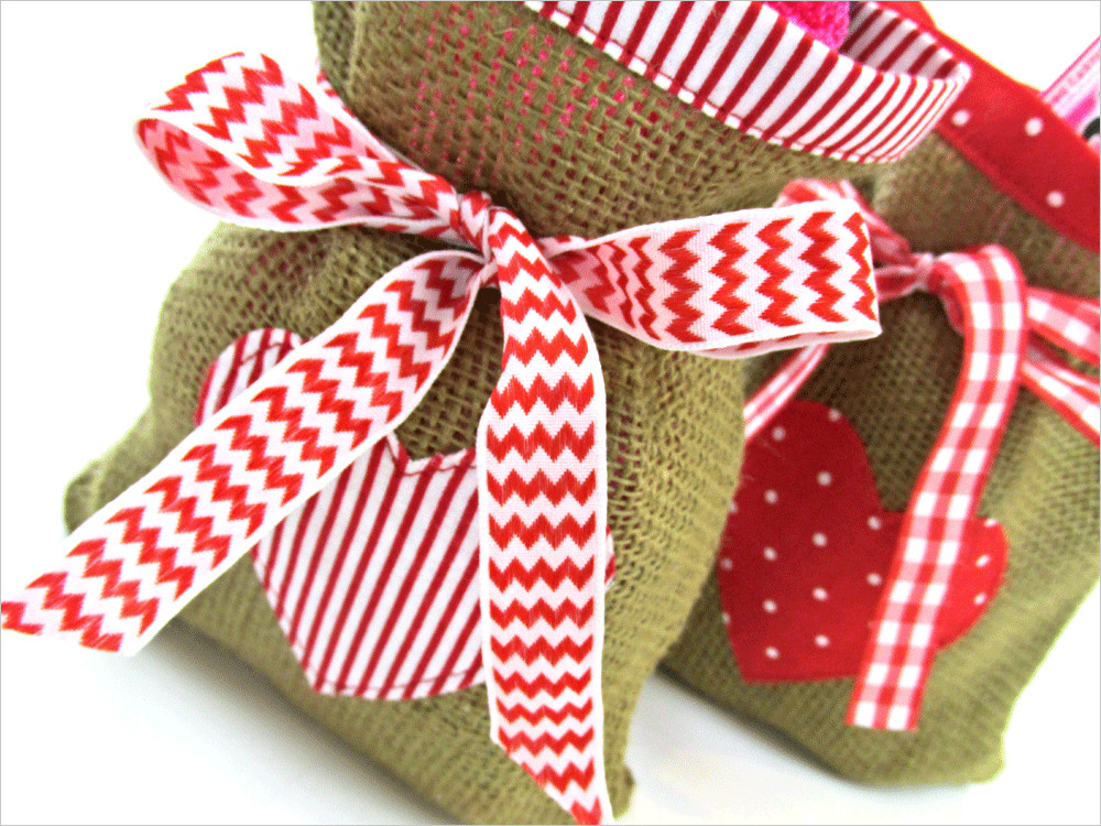 Valentines Gift Bag Ideas  ScrapBusters Heart Themed Gift Bags in Burlap & Cotton