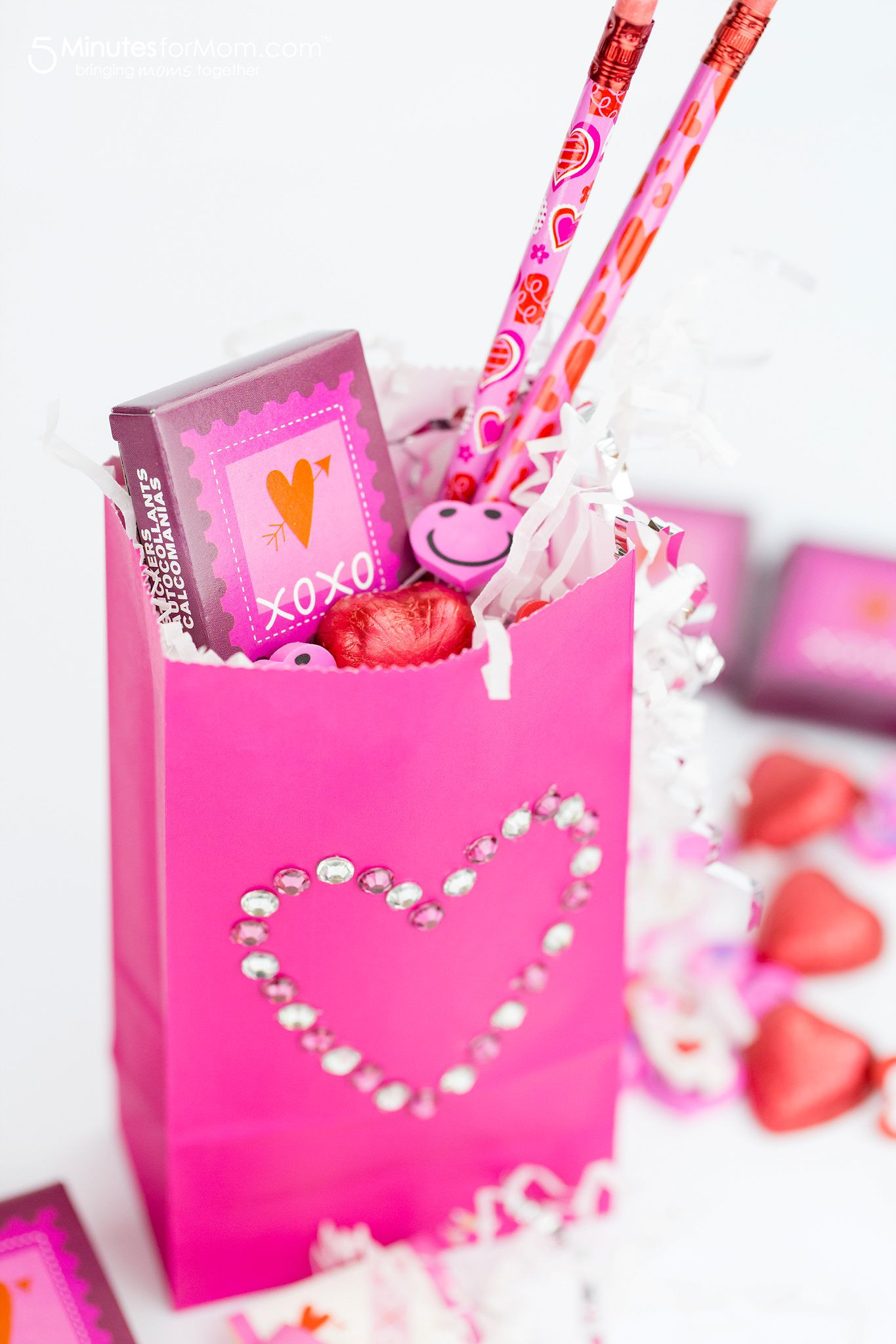 Valentines Gift Bag Ideas  Fast and Easy Dollar Store Valentine Ideas 5 Minutes for Mom