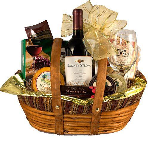 Wine Basket Gift Ideas  25 best ideas about Wine t baskets on Pinterest