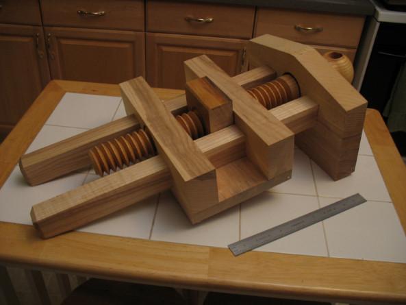 Woodworking Vise DIY  Homemade Wood Vise Free Download build wood ladder