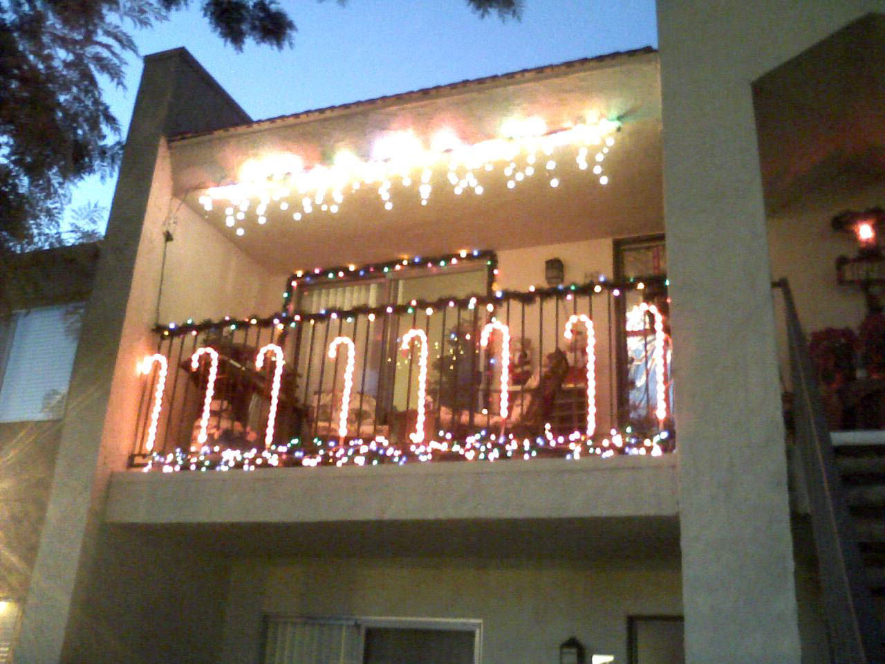Apartment Patio Christmas Decorating Ideas  apartment patio christmas decorating ideas
