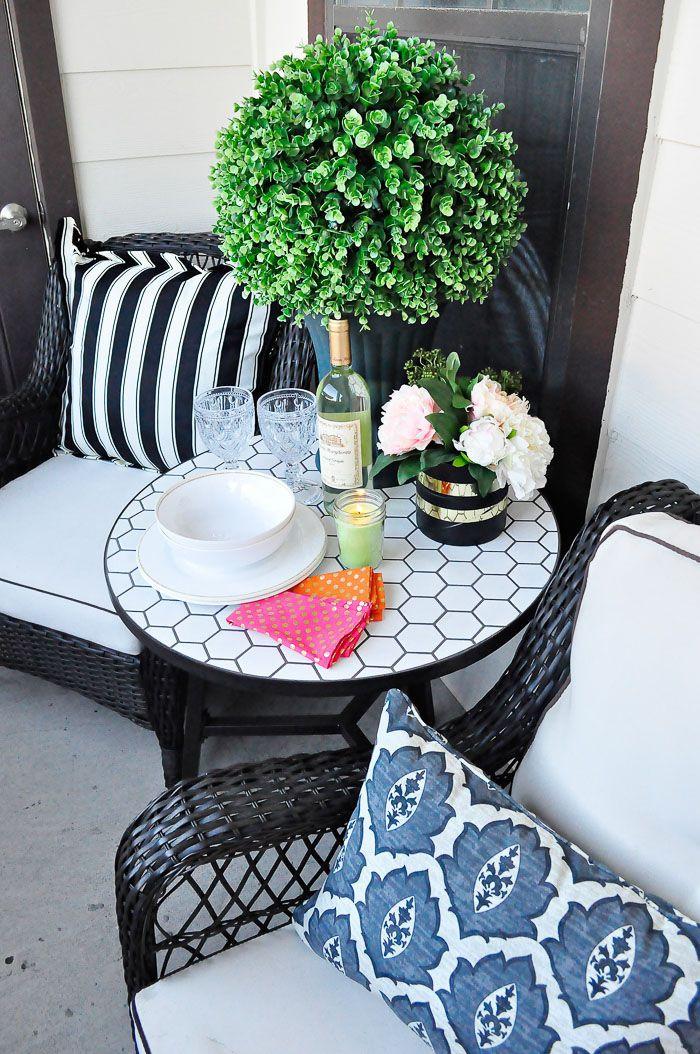 Apartment Patio Christmas Decorating Ideas  Best 25 Apartment patio decorating ideas on Pinterest