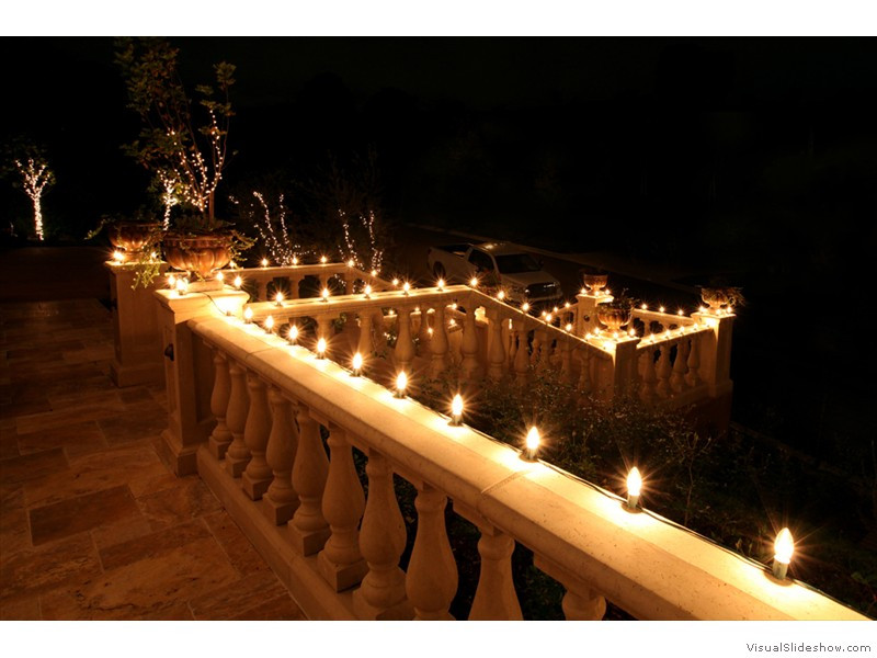 Balcony Christmas Lights  1000 images about Christmas balcony on Pinterest