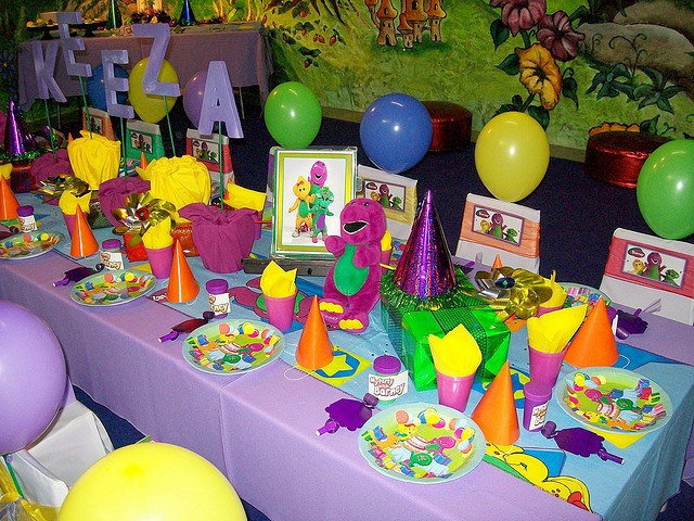 Barney Birthday Decorations  17 Best images about Barney Party on Pinterest
