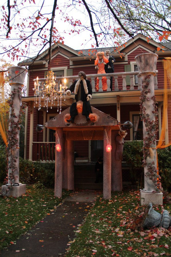 Best Outdoor Halloween Decorations  25 Outdoor Halloween Decorations Ideas MagMent