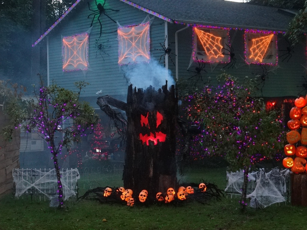 Best Outdoor Halloween Decorations  35 Best Ideas For Halloween Decorations Yard With 3 Easy Tips