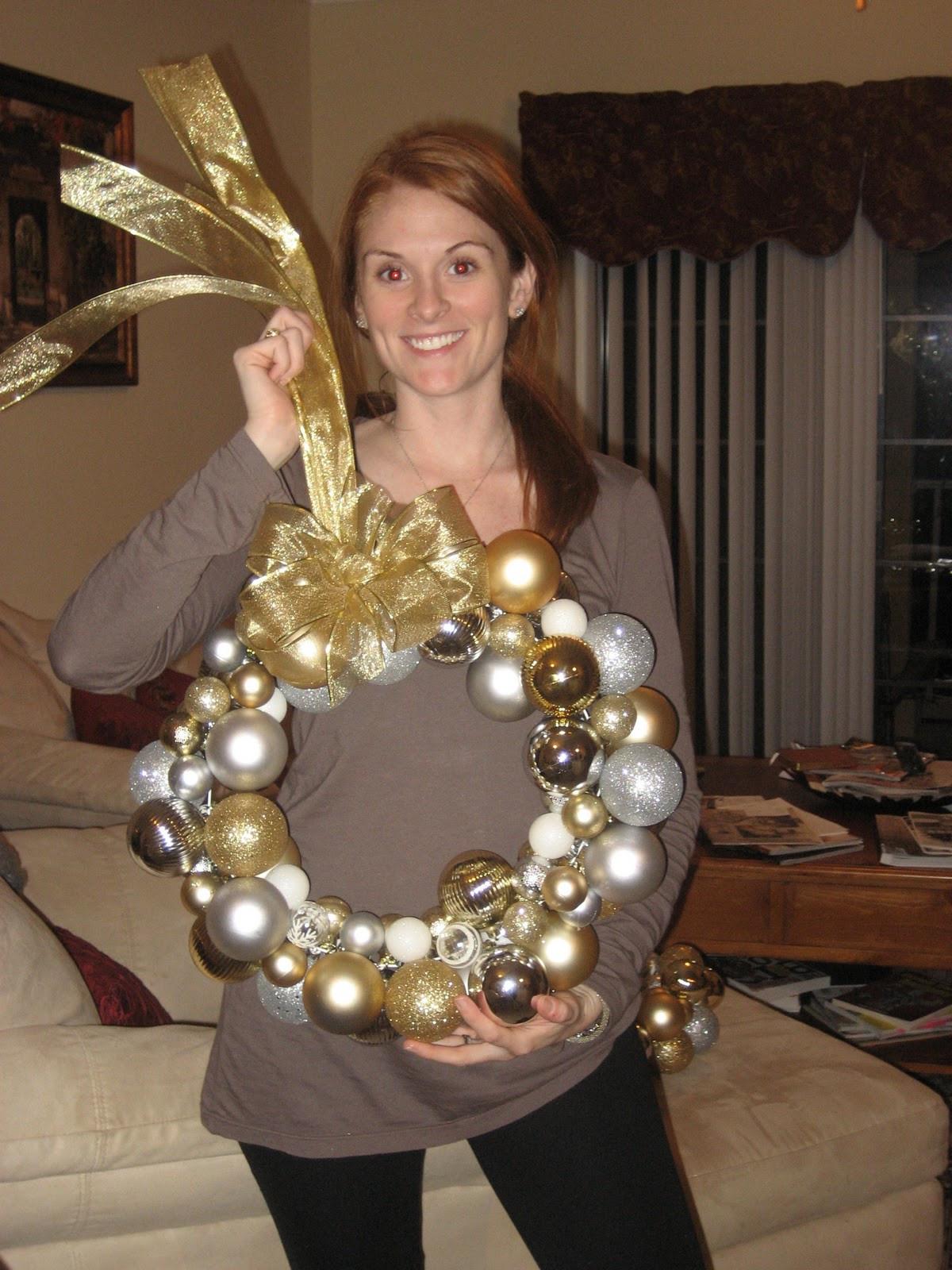Christmas Ball Wreath DIY  DIY Christmas Ornament Wreath – fy Cozy Couture