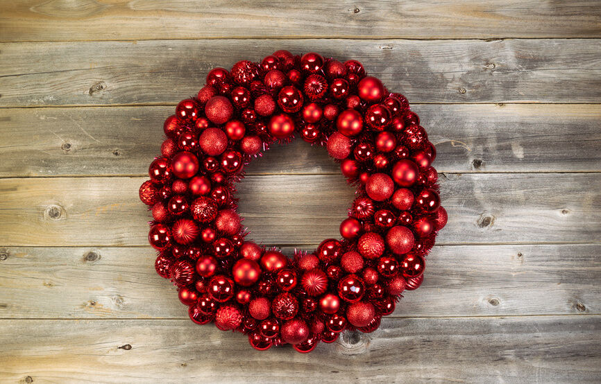 Christmas Ball Wreath DIY  How to Make a DIY Christmas Ball Wreath