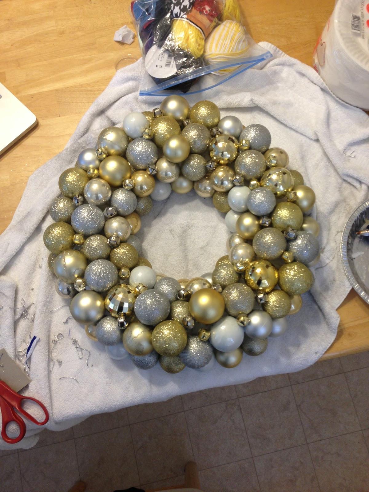 Christmas Ball Wreath DIY  Money Hip Mamas DIY Christmas Ornament Ball Wreath