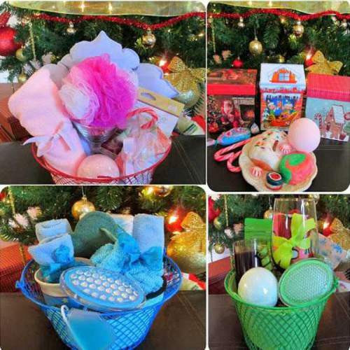 Christmas Basket DIY  Quick and Cheap DIY Christmas Gifts Ideas