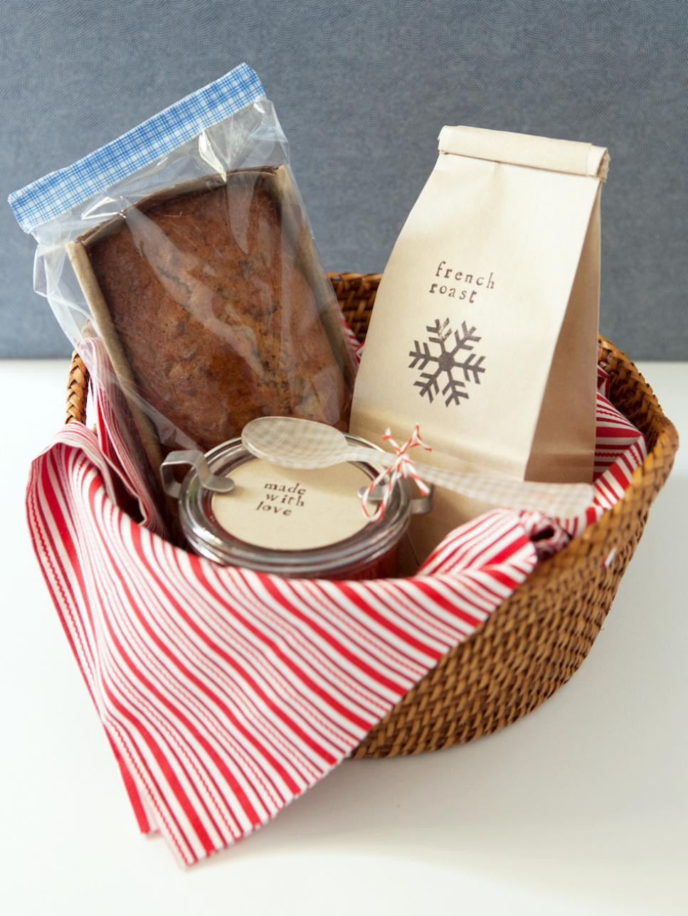 Christmas Basket DIY  Last Minute Homemade Gifts 16 Gifts Everyone Will Love
