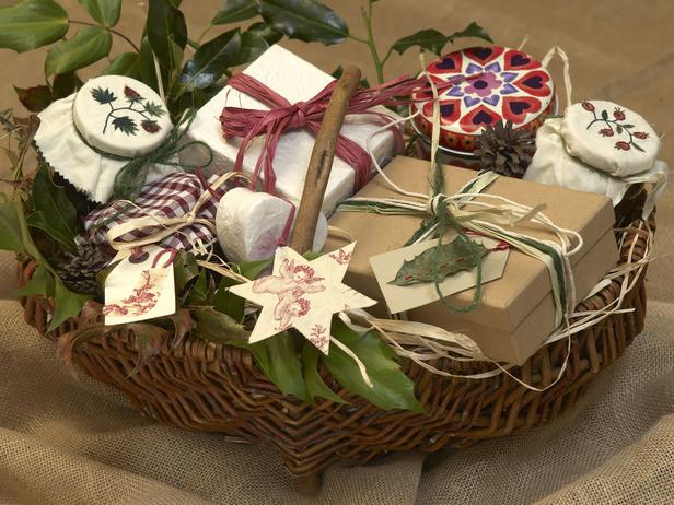 Christmas Basket DIY  DIY Easy Homemade Christmas Gift Ideas