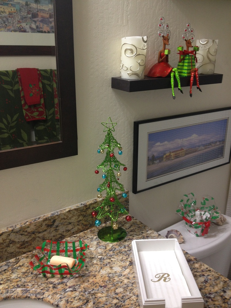 Christmas Bathroom Decorations  1000 images about Christmas Bathroom decor on Pinterest