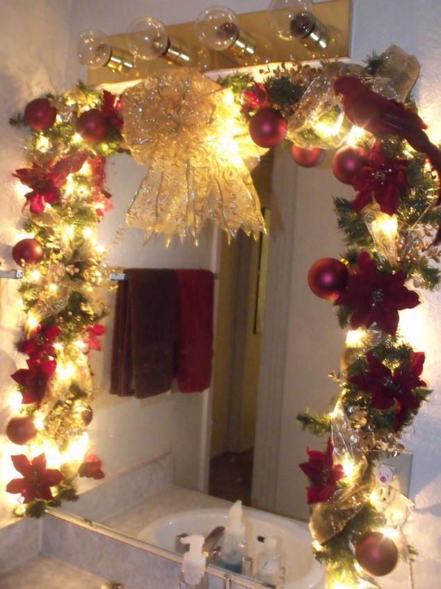 Christmas Bathroom Decorations  20 Amazing Christmas Bathroom Decoration Ideas