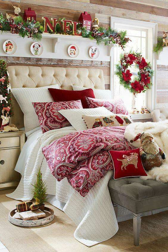 Christmas Bedroom Decor  Best 25 Christmas bedroom decorations ideas on Pinterest