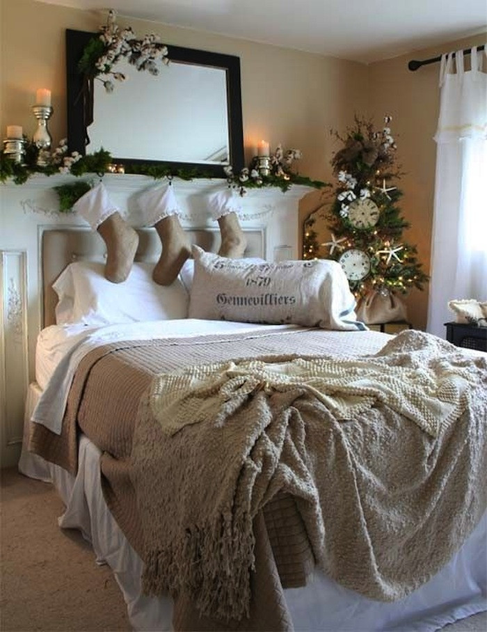 Christmas Bedroom Decor  10 Country Christmas Decorating Ideas
