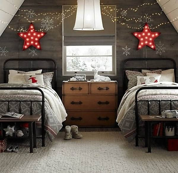 Christmas Bedroom Decor  66 Inspiring ideas for Christmas lights in the bedroom