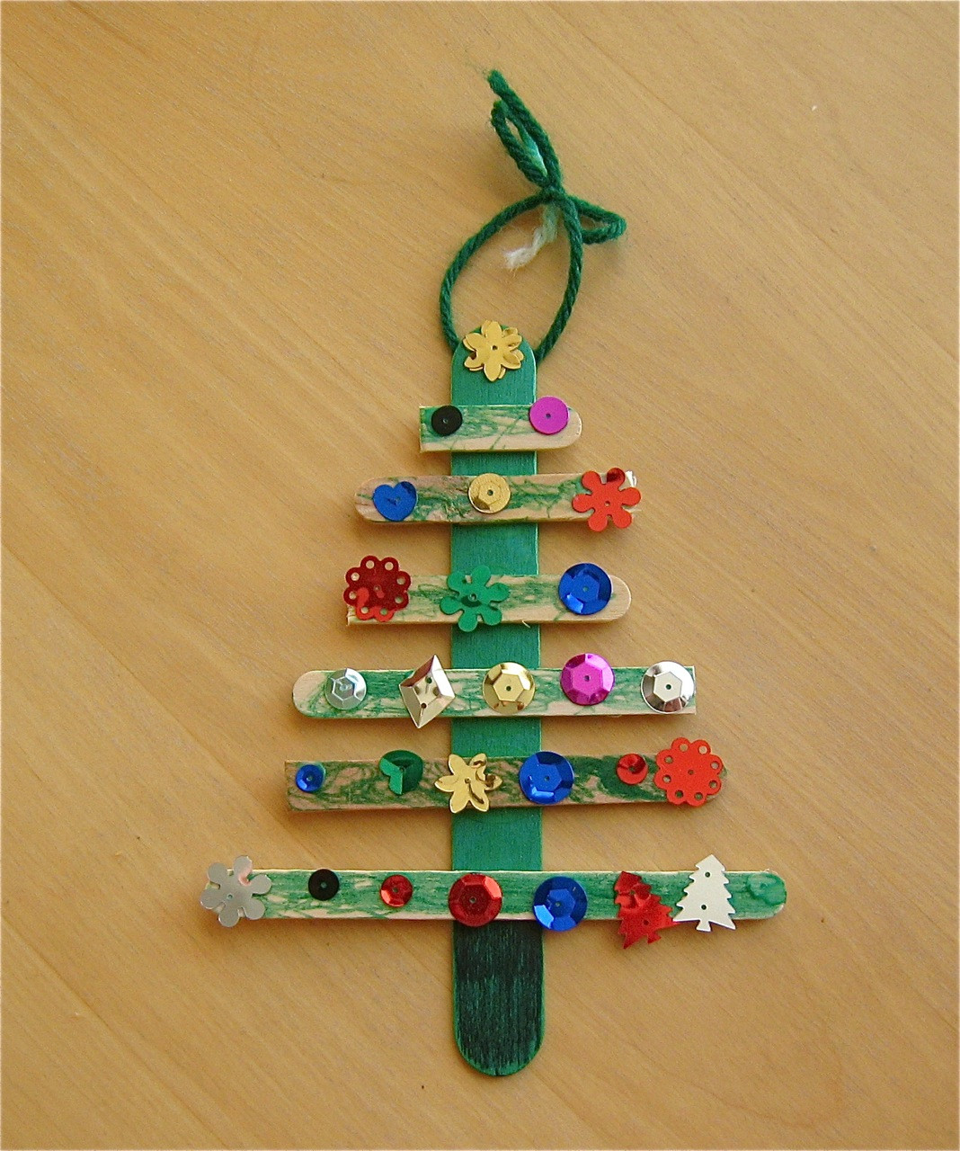 Christmas Craft Ideas For Pre School  Christmas Tree Craft