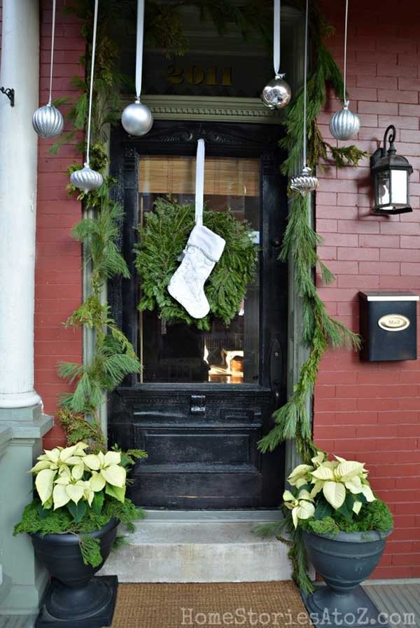 Christmas Decorations For Front Porch  40 Cool DIY Decorating Ideas For Christmas Front Porch