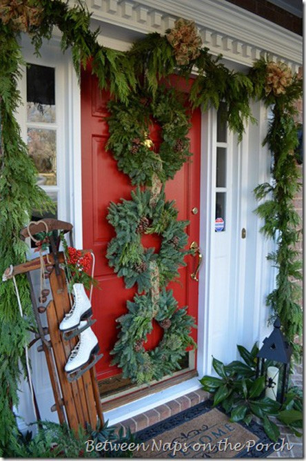 Christmas Decorations For Front Porch  38 Cool Christmas Porch Décor Ideas DigsDigs