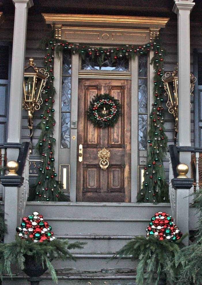 Christmas Decorations For Front Porch  Best 25 Christmas front porches ideas on Pinterest