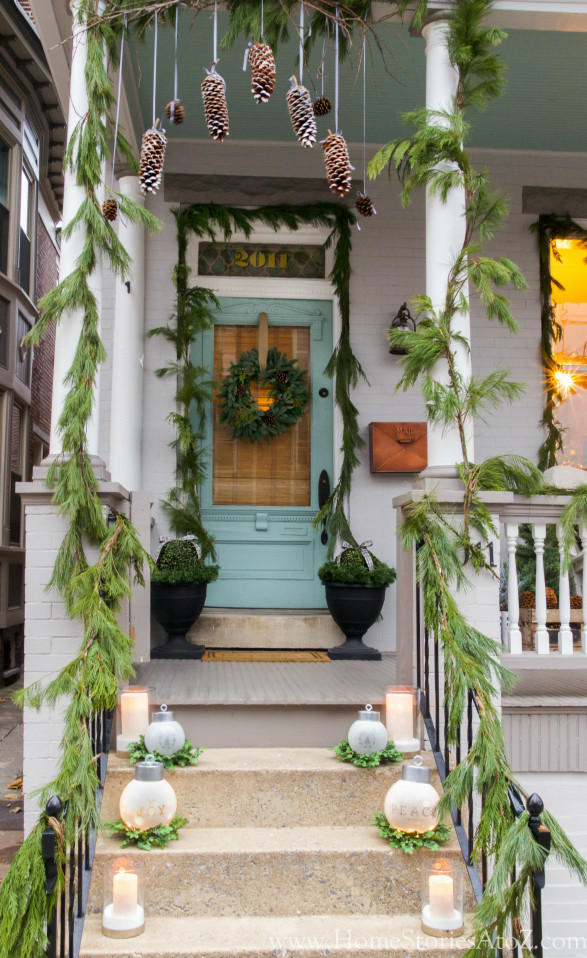 Christmas Decorations For Front Porch  20 Beautiful Christmas Porch Ideas