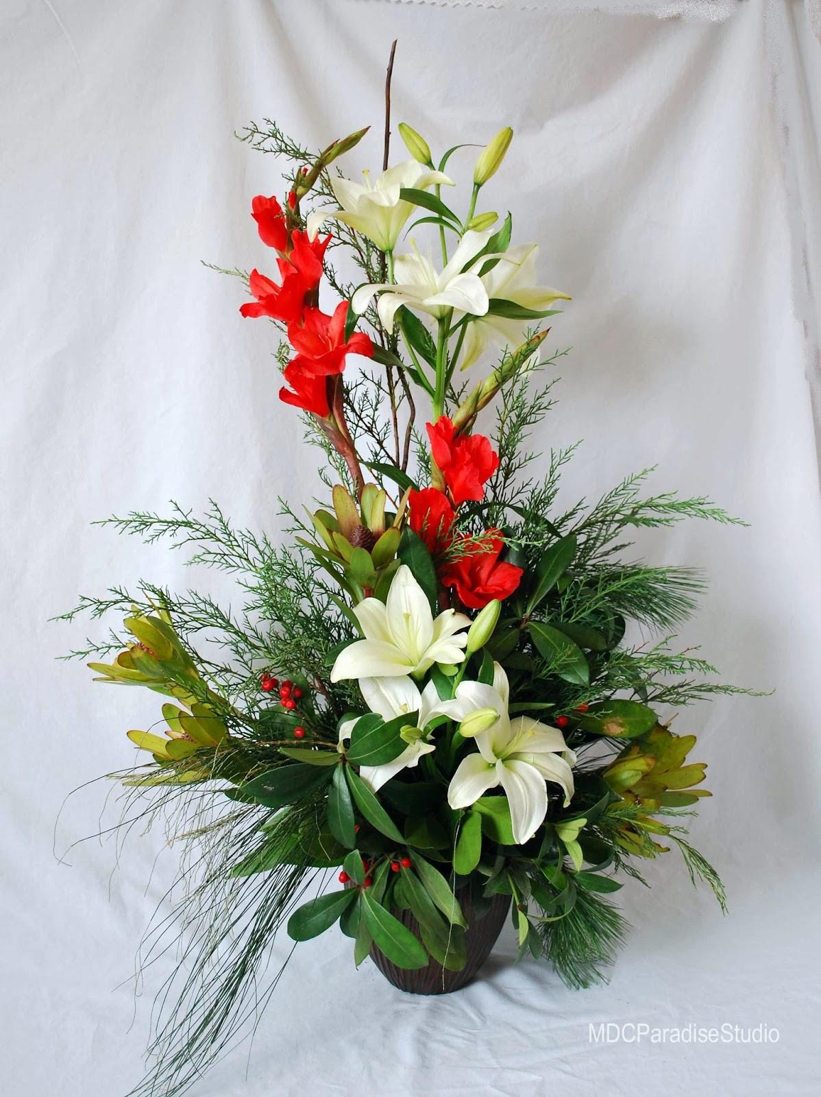Christmas Flower Images  PARADISE FLORAL STUDIO Christmas Flower Arrangements