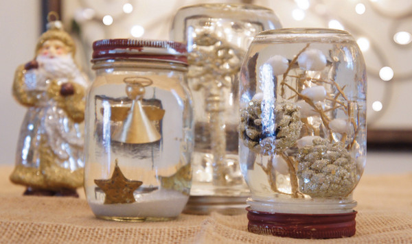 Christmas Gift Craft Ideas  Homemade snow globes the merriest of kids Christmas crafts