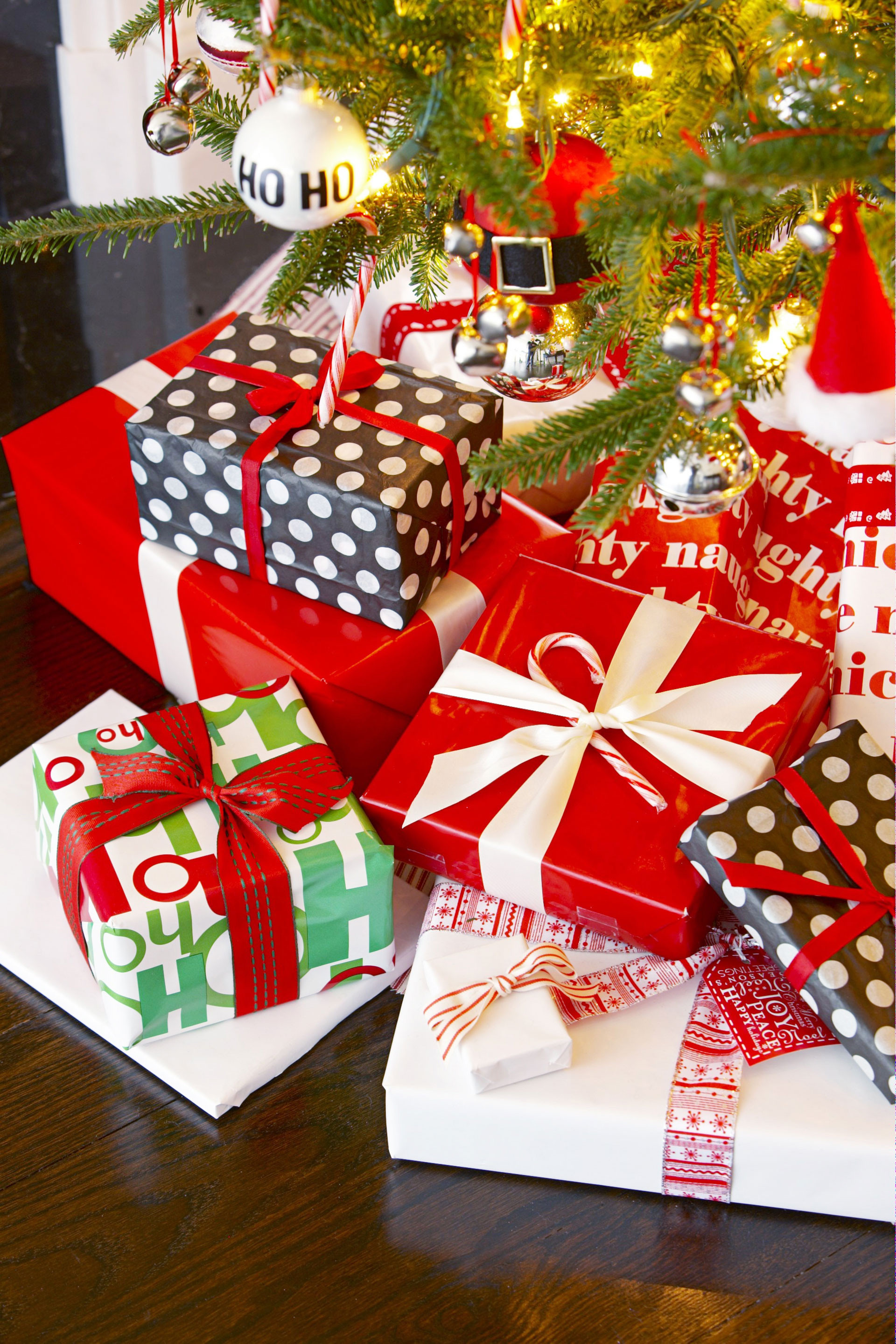 Christmas Gift Theme Ideas  33 Unique Christmas Gift Wrapping Ideas DIY Holiday Gift