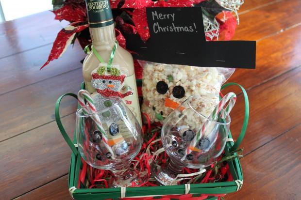 Christmas Gift Theme Ideas  Snowman Themed Gift Baskets