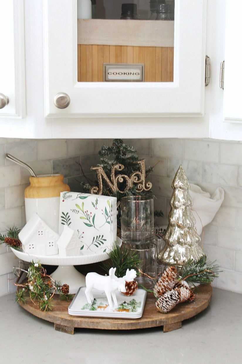 Christmas Kitchen Decor  Christmas Kitchen Decorating Ideas Clean and Scentsible