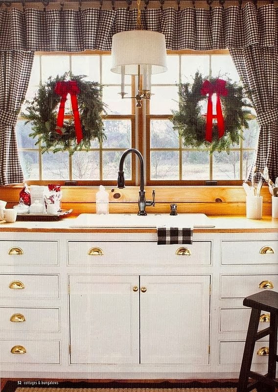 Christmas Kitchen Decor  FOCAL POINT STYLING CHRISTMAS KITCHEN DECORATING IDEAS