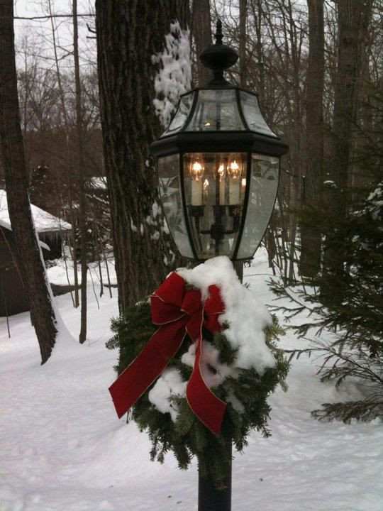 Christmas Lamp Post Decorations  Pretty lamp post Holiday Decorations